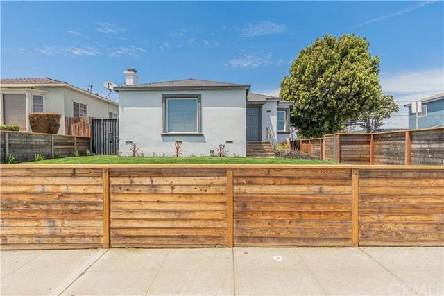 4401 W 58th Place, Los Angeles (City), CA 90043 (#PW21114216) :: Z REALTY