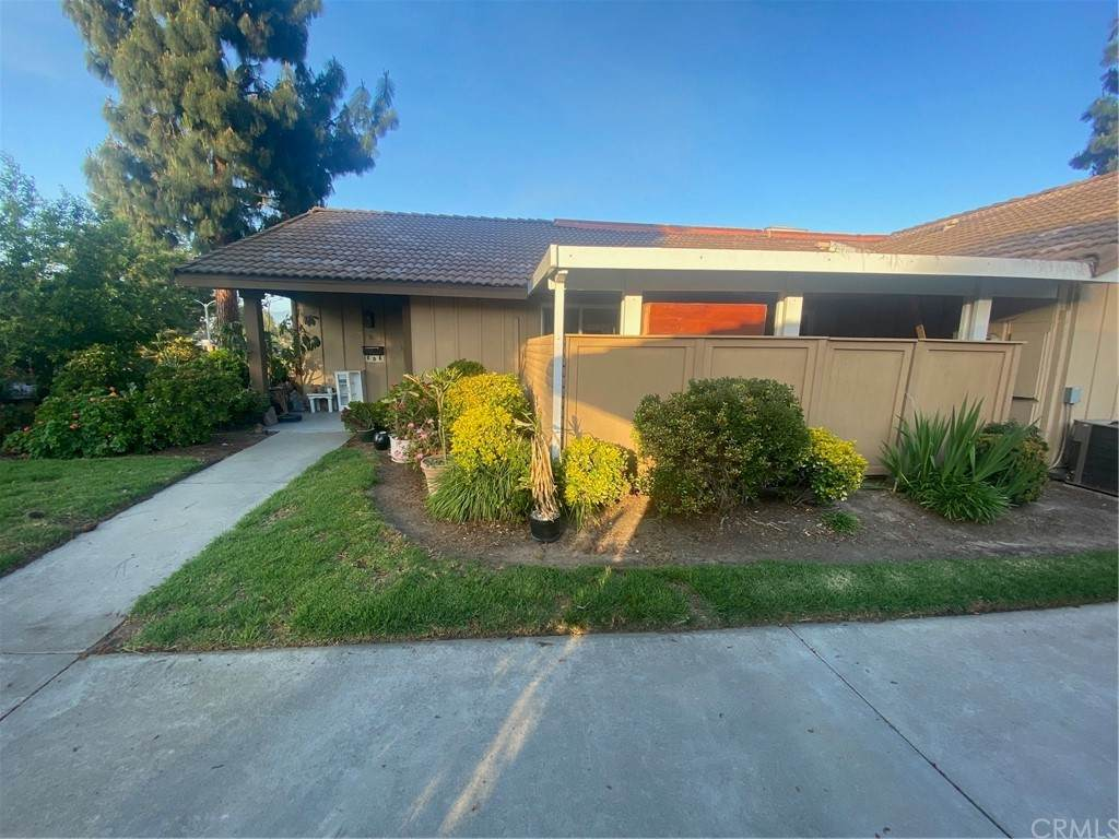 3133 Via Serena N D, Laguna Woods, CA 92637 (#PW21111383) :: Wahba Group Real Estate | Keller Williams Irvine