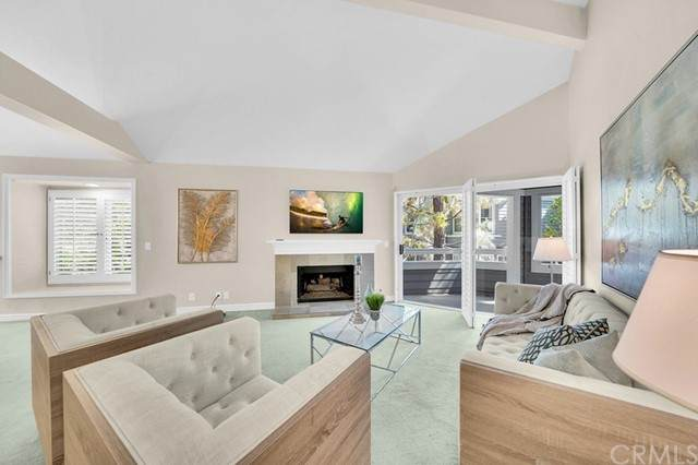 17 Brittany #6, Newport Beach, CA 92660 (#OC21115511) :: Pam Spadafore & Associates