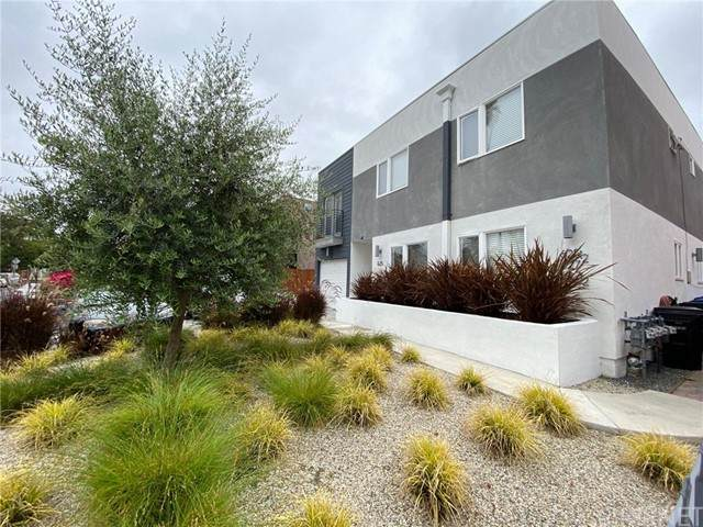 625 1/2 Mariposa Avenue - Photo 1