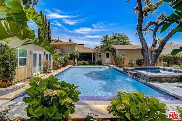 4847 Crown Avenue, La Canada Flintridge, CA 91011 (#21738080) :: Wahba Group Real Estate   Keller Williams Irvine