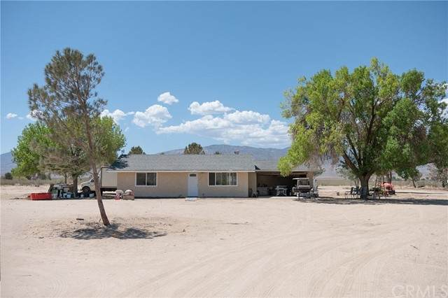 38823 E End Road, Lucerne Valley, CA 92356 (#TR21117003) :: Powerhouse Real Estate