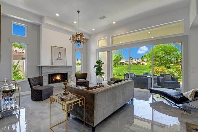 677 Arrowhead Drive, Palm Desert, CA 92211 (#219062908DA) :: Berkshire Hathaway HomeServices California Properties