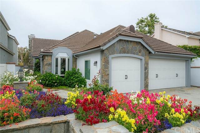 6162 Oakbrook Circle, Huntington Beach, CA 92648 (#OC21117388) :: RE/MAX Masters