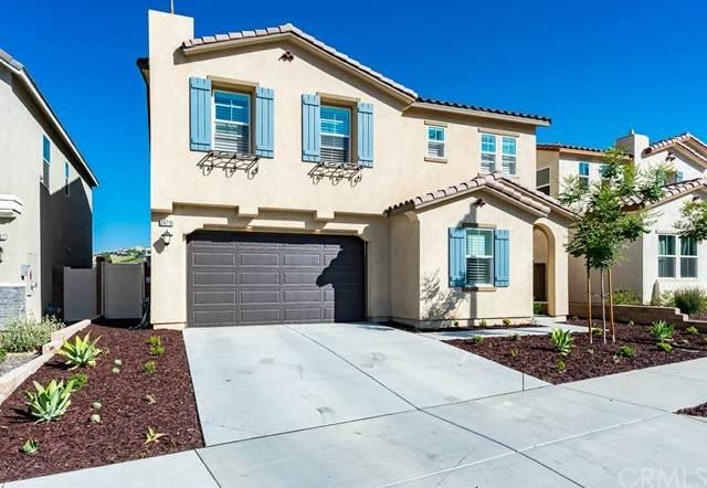 24715 Acadia Drive, Corona, CA 92883 (MLS #IG21117658) :: Desert Area Homes For Sale