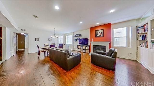610 S Wilton Place #203, Los Angeles (City), CA 90005 (#SR21117187) :: Berkshire Hathaway HomeServices California Properties