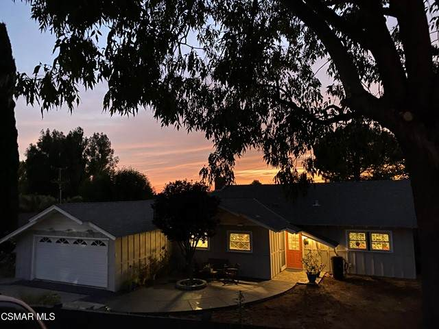 406 Glenwood Place, Thousand Oaks, CA 91362 (#221002958) :: Berkshire Hathaway HomeServices California Properties