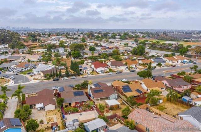 5290 Olvera Ave, San Diego, CA 92114 (#210015013) :: Berkshire Hathaway HomeServices California Properties