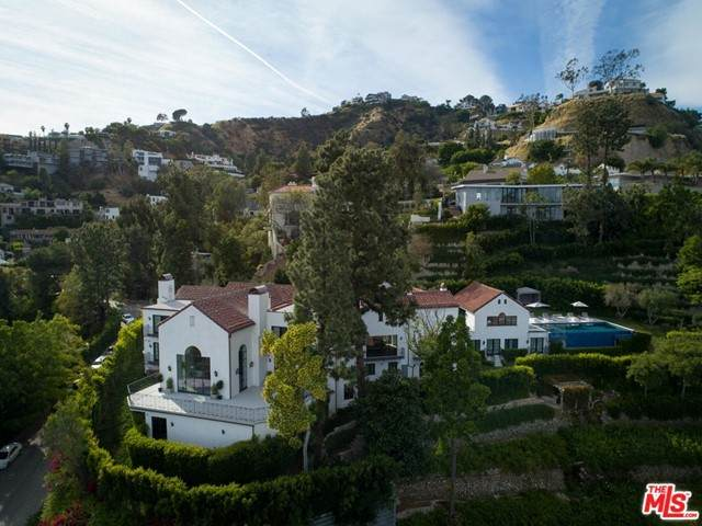 8159 Hollywood - Photo 1
