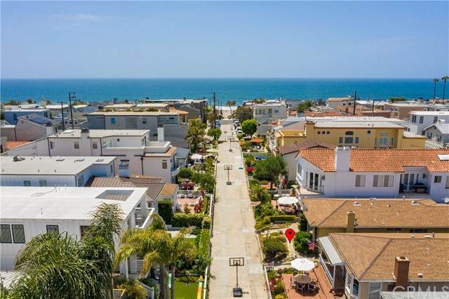 341 6th Street, Manhattan Beach, CA 90266 (#SB21119254) :: Zember Realty Group