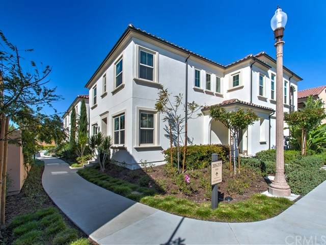205 Excursion, Irvine, CA 92618 (#NP21119343) :: Berkshire Hathaway HomeServices California Properties