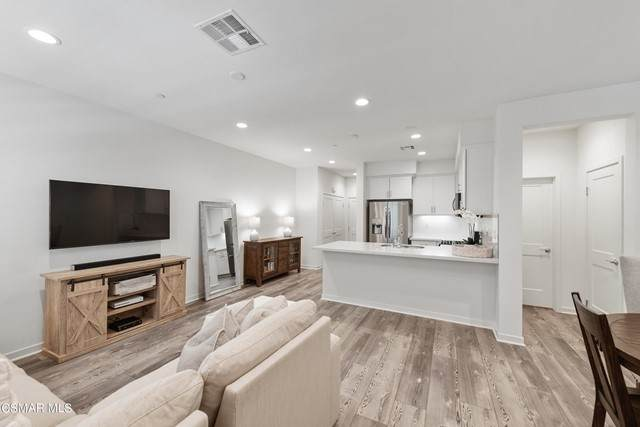 201 Red Brick Drive #3, Simi Valley, CA 93065 (#221002996) :: Zember Realty Group