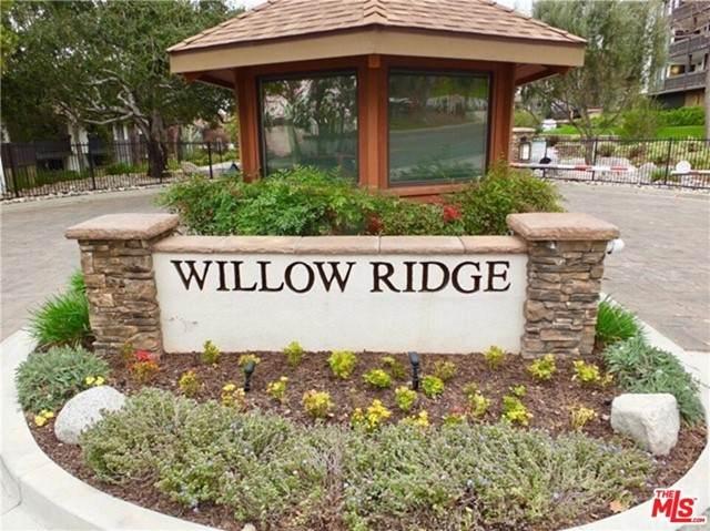 2508 E Willow Street #209, Signal Hill, CA 90755 (#21744336) :: Berkshire Hathaway HomeServices California Properties