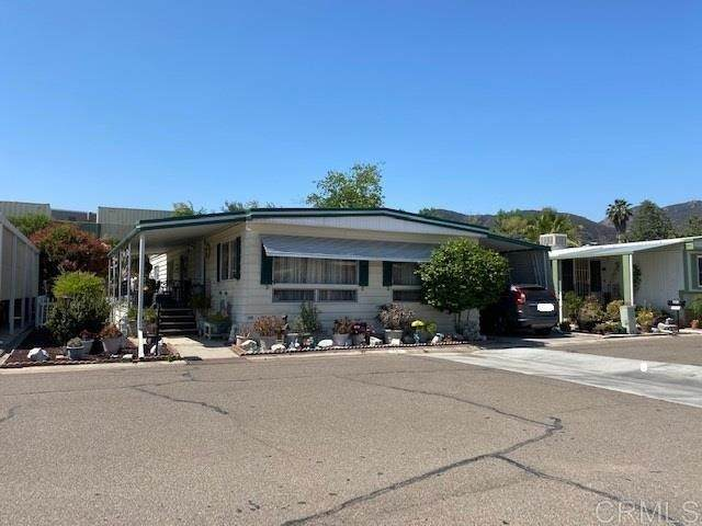 8301 Mission Gorge Rd #204, Santee, CA 92071 (#PTP2103886) :: Berkshire Hathaway HomeServices California Properties