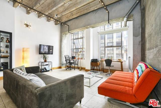 312 W 5Th Street #619, Los Angeles (City), CA 90013 (#21723306) :: The Miller Group