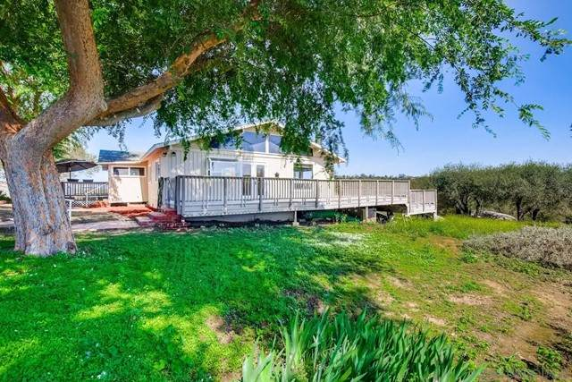 13735 Hilldale, Valley Center, CA 92082 (#210015340) :: Power Real Estate Group