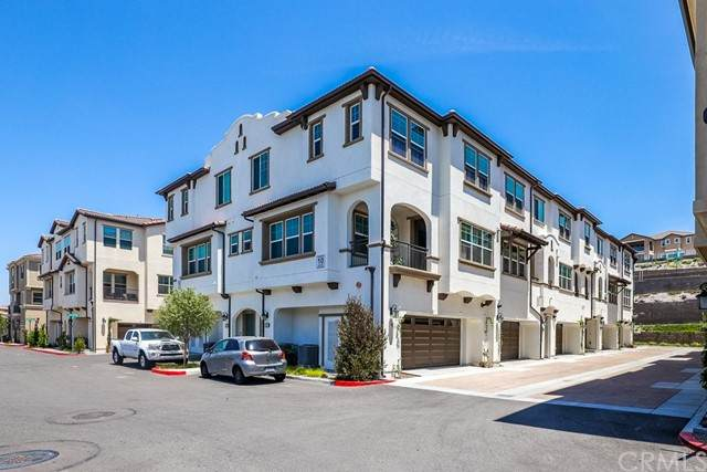 405 Echo Blue, Lake Forest, CA 92610 (#OC21120838) :: Legacy 15 Real Estate Brokers
