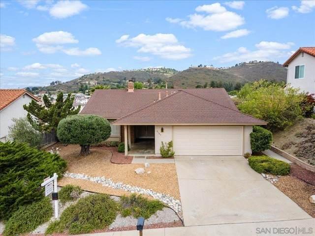 2105 Camino Dr, Escondido, CA 92026 (#210015438) :: Wahba Group Real Estate | Keller Williams Irvine