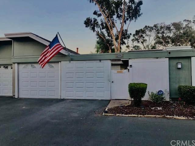 23442 Caminito Salado #351, Laguna Hills, CA 92653 (#OC21121270) :: Cesi Pagano & Associates