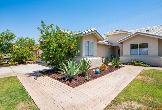 51940 Avenida Navarro, La Quinta, CA 92253 (#219063132DA) :: Blake Cory Home Selling Team