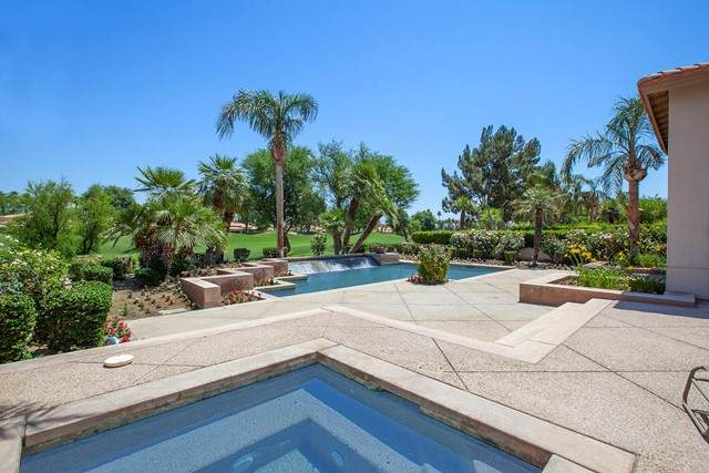 79010 Carmel Circle, La Quinta, CA 92253 (#219063146DA) :: Blake Cory Home Selling Team