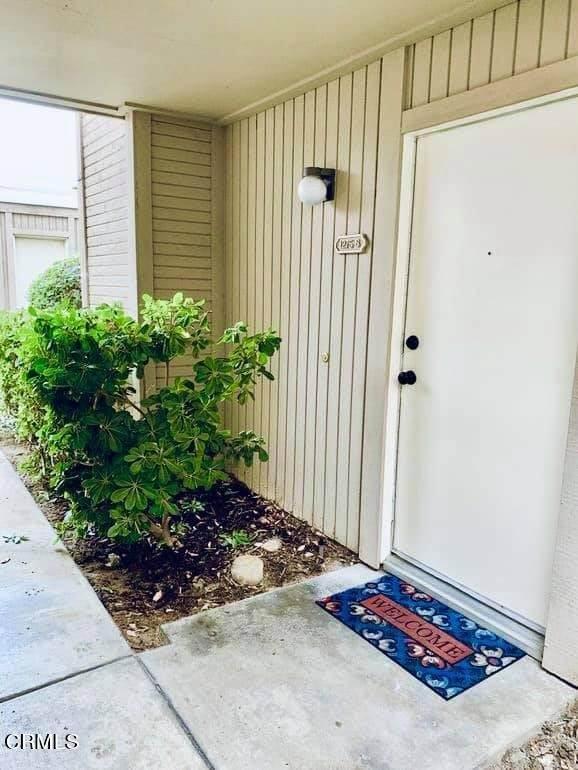 1275 Seacliff Court #6, Ventura, CA 93003 (#V1-6265) :: Compass