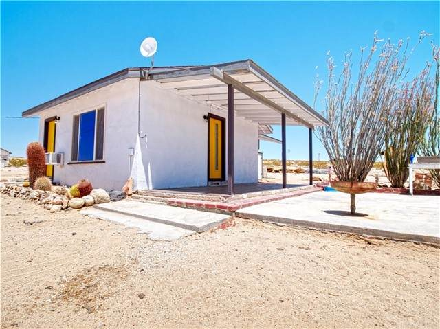 68389 Pole Line Road, 29 Palms, CA 92277 (#JT21122179) :: The Marelly Group | Sentry Residential
