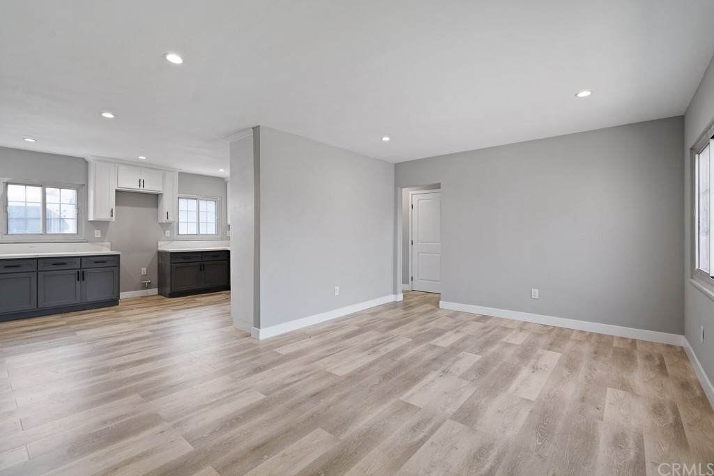 8818 Ramsgate Avenue, Westchester, CA 90045 (#OC21122434) :: Bathurst Coastal Properties