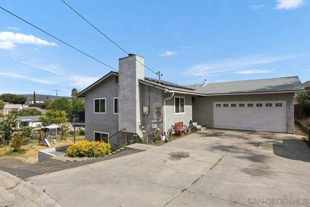 227 Woodland Dr, Vista, CA 92083 (#210015591) :: Powerhouse Real Estate