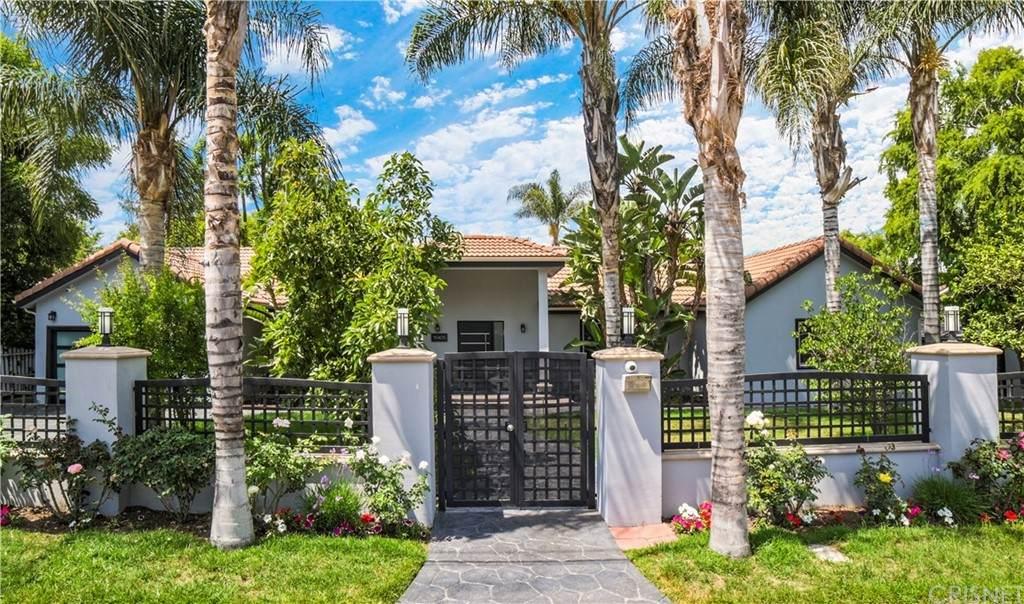 19405 Collier Street, Tarzana, CA 91356 (#SR21119030) :: Zember Realty Group