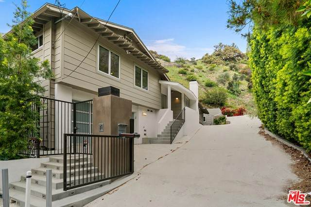2139 El Roble Lane, Beverly Hills, CA 90210 (#21745614) :: Twiss Realty
