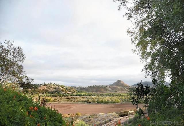 701 Concerto Glen, Escondido, CA 92025 (#210015615) :: Steele Canyon Realty