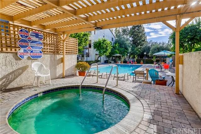 20224 Sherman Way #49, Winnetka, CA 91306 (#SR21122595) :: Berkshire Hathaway HomeServices California Properties