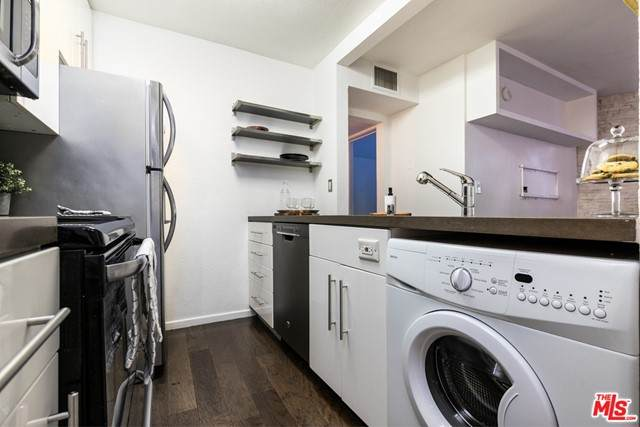 141 S Clark Drive #111, West Hollywood, CA 90048 (#21745956) :: Powerhouse Real Estate