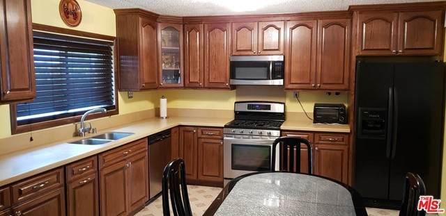 16038 Hartland Street, Van Nuys, CA 91406 (#21746114) :: Berkshire Hathaway HomeServices California Properties