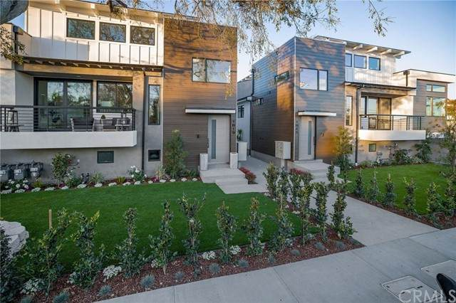 1827 11th Street, Manhattan Beach, CA 90266 (#SB21123438) :: Latrice Deluna Homes