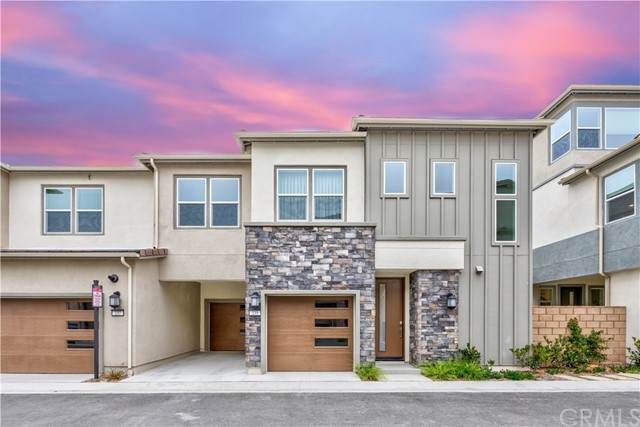 235 Siena, Lake Forest, CA 92630 (#TR21122347) :: Berkshire Hathaway HomeServices California Properties