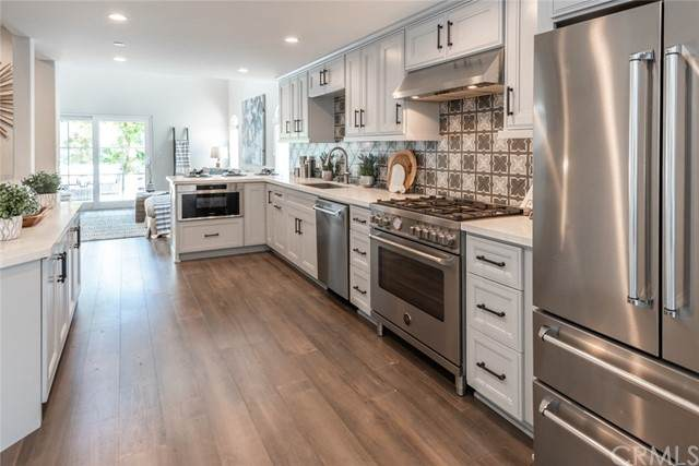 526 N Elena Avenue B, Redondo Beach, CA 90277 (#SB21123412) :: Zember Realty Group