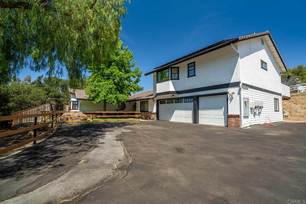 558 Sneath Way, Alpine, CA 91901 (#PTP2103994) :: Berkshire Hathaway HomeServices California Properties