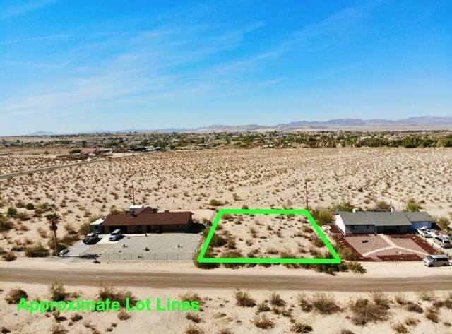 105 Foothill Drive, 29 Palms, CA 92277 (#219063257PS) :: The Marelly Group | Sentry Residential