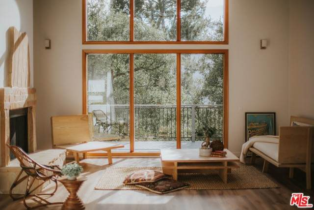 21165 Entrada Road, Topanga, CA 90290 (#21746730) :: The Marelly Group | Sentry Residential