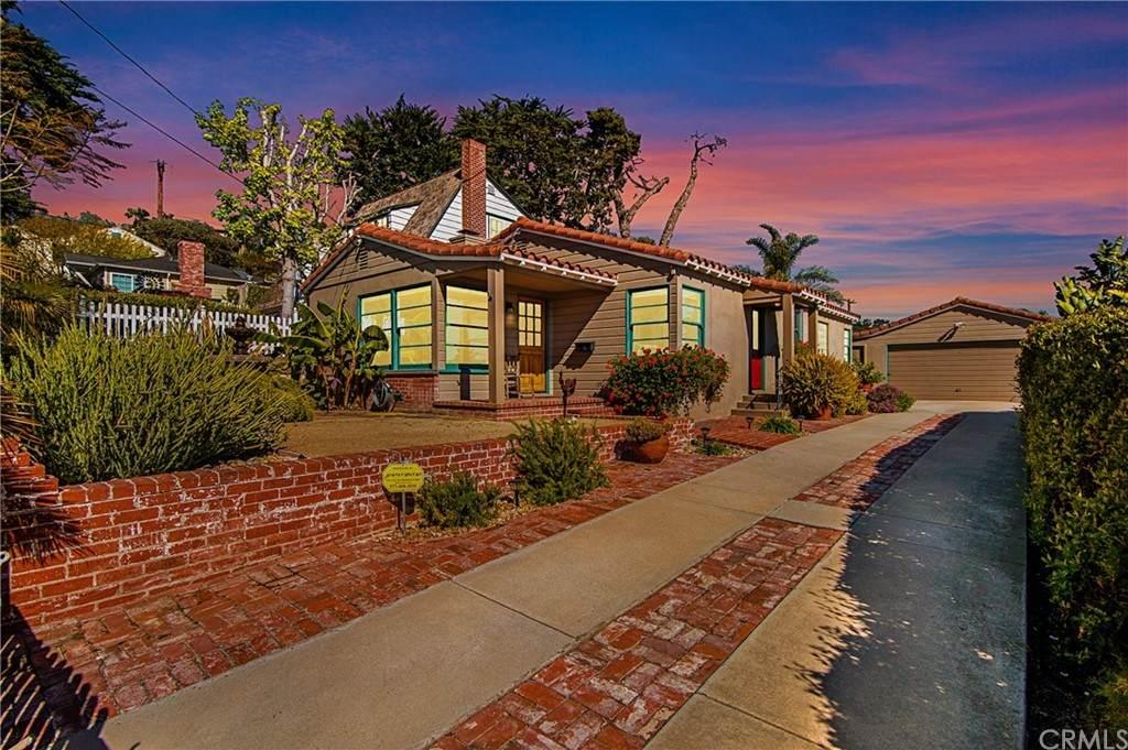 675 Thalia Street, Laguna Beach, CA 92651 (#LG21124663) :: The DeBonis Team