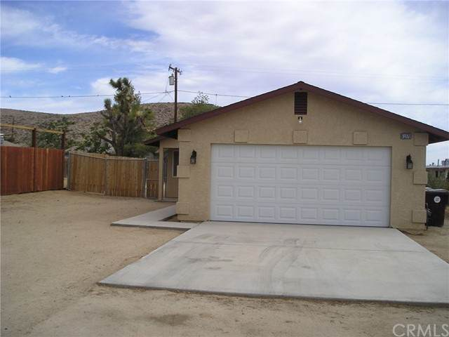 61970 Petunia Drive, Joshua Tree, CA 92252 (#JT21125034) :: The Marelly Group | Sentry Residential