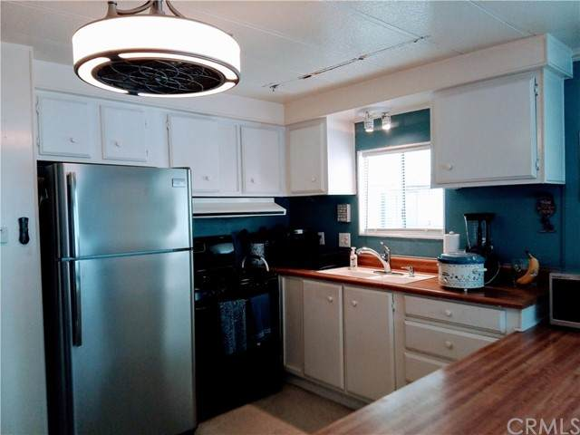 80 Huntington Street #204, Huntington Beach, CA 92648 (#OC21125195) :: Powerhouse Real Estate