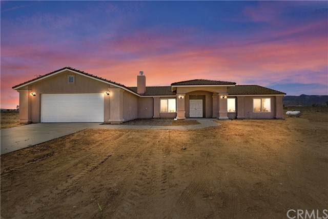 5950 Cayucos Drive, Phelan, CA 92371 (#IG21123597) :: Zember Realty Group