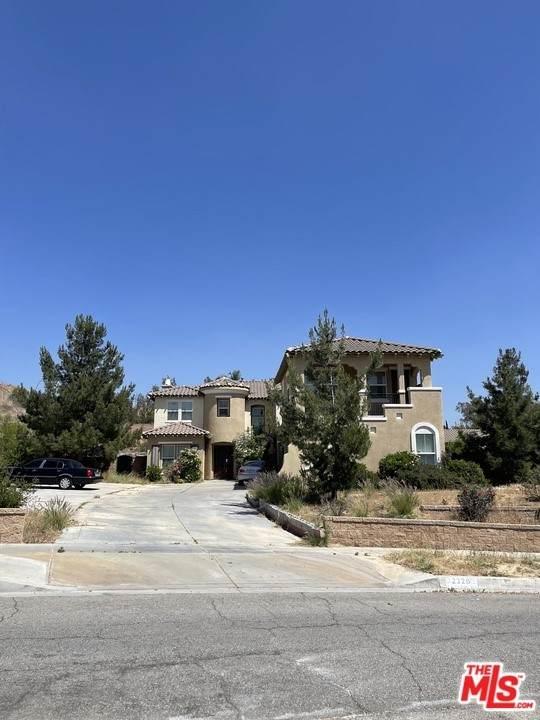 2320 Crystal Ridge Lane, Colton, CA 92324 (#21746922) :: Zember Realty Group