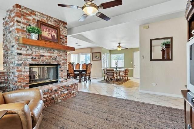 7275 Macquarie St, La Mesa, CA 91942 (#210015912) :: Berkshire Hathaway HomeServices California Properties