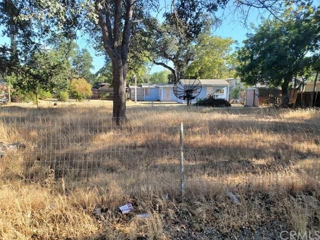 3703 Buckeye Street, Clearlake, CA 95422 (#PW21125369) :: Wahba Group Real Estate   Keller Williams Irvine