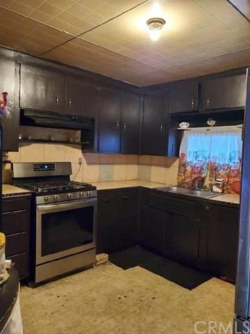 211 S Riverside Avenue, Rialto, CA 92376 (#DW21113903) :: Wahba Group Real Estate | Keller Williams Irvine