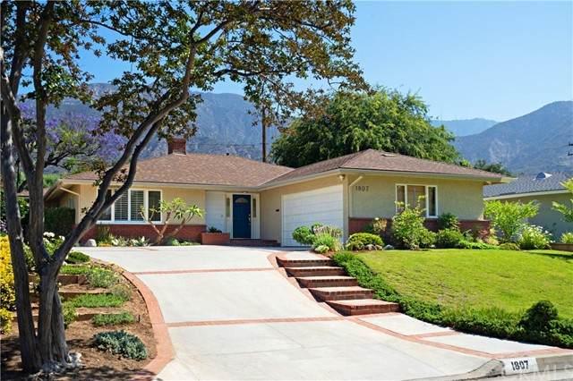 1807 E Calaveras Street, Altadena, CA 91001 (#AR21125146) :: The DeBonis Team